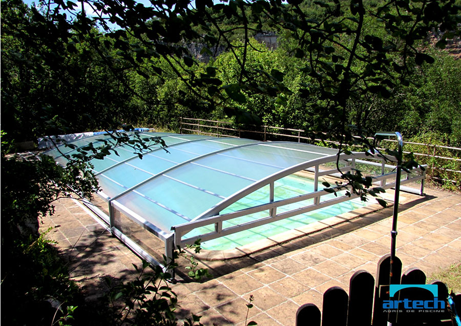 Abris artech fabricant abri piscine toulouse midi for Abri de piscine bas